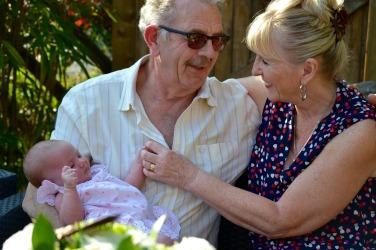 grandparents-1703766_1920