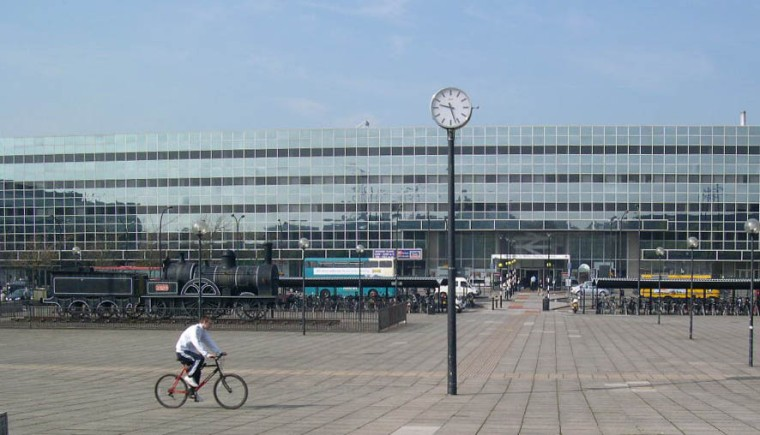 MiltonKeynesCentral-StationSquare